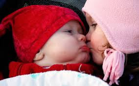 Top latest hd Baby Boy to Girl frist kiss images photos pic wallpaper free download 2