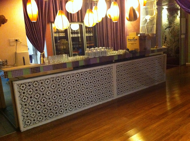 1000 Bar Front Facade In Nightclub