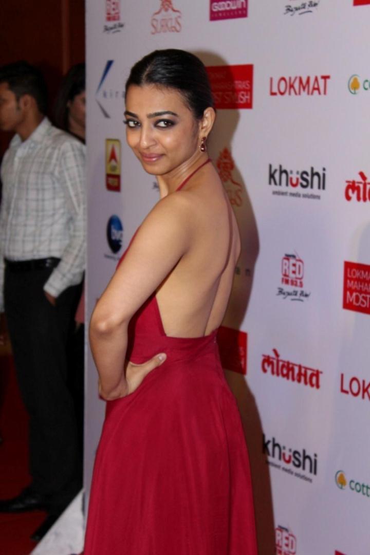 Radhika Apte At Lokmat Maharashtra Most Stylish Awards In Red Dress