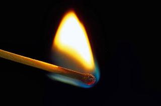 korek api dicelupkan