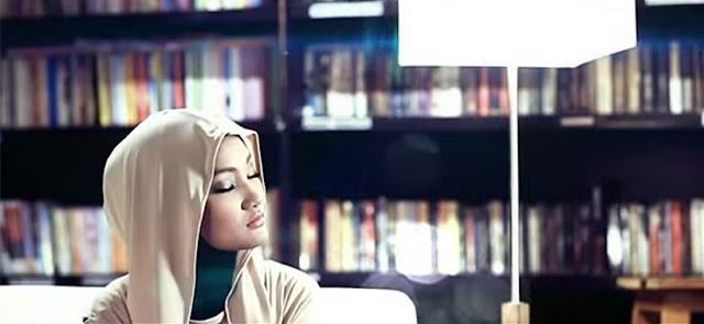 Lirik Lagu Aku Memilih Setia by Fatin Shidqia