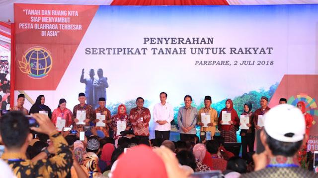 Jokowi serahan 5.000 Sertifikat Tanah Untuk Rakyat di Parepare