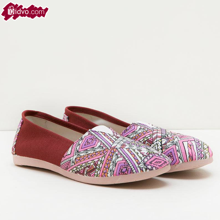 Sepatu Flat Wanita Tribby Maroon - Maroon