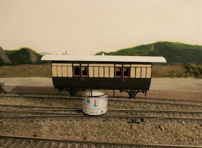 Converting a Ratio 4 wheel third coach to a GWR parcels van