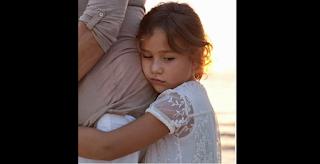 Μάνα, σημαίνει αγάπη: Η μητέρα δεν προδίδει, δεν εγκαταλείπει, αγαπάει μόνο…