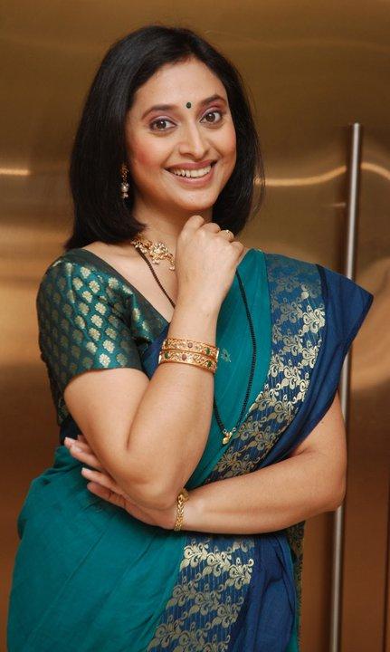 marathi actress kishori godbole stills 64576