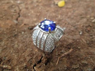 Natural Blue Safir Istimewa Ikatan Perak Mewah Terjangkau (SF012)