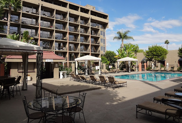 Hotel Howard Johnson Inn and Suites em Los Angeles