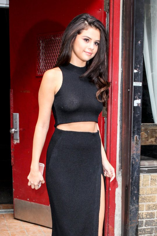 Selena Gomez spotted braless in New York City