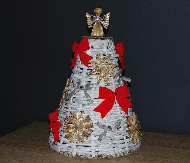 choinka z papierowej wikliny DIY