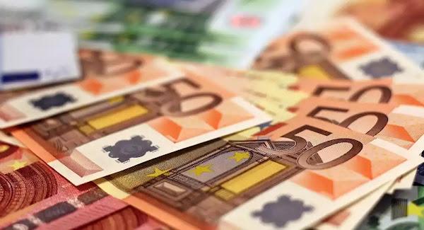 Βόλος: Γυναίκα έκλεψε 10 χιλ. ευρώ από 60χρονο αλλά το μετάνιωσε και τα επέστρεψε