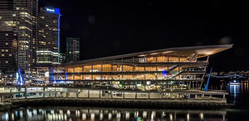 التصوير الليلي Sony SEL 10-18mm f/4 OSS