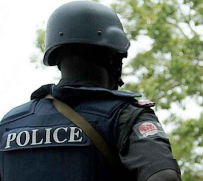 ikeja lagos police inspector runs mad shoots self