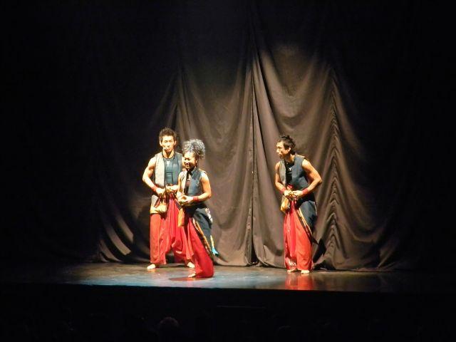japoński, bębny, spodnie, czerwone