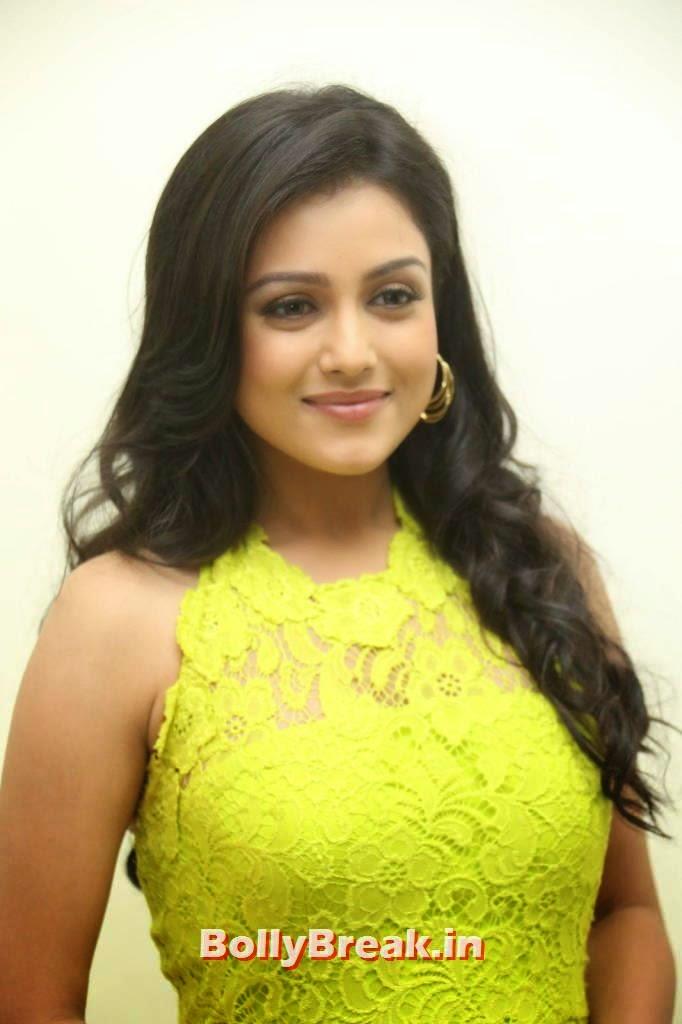Actress Mishti Chakraborty Latest Photo Gallery, Mishti Chakraborty hot Hd Images in Green Dress