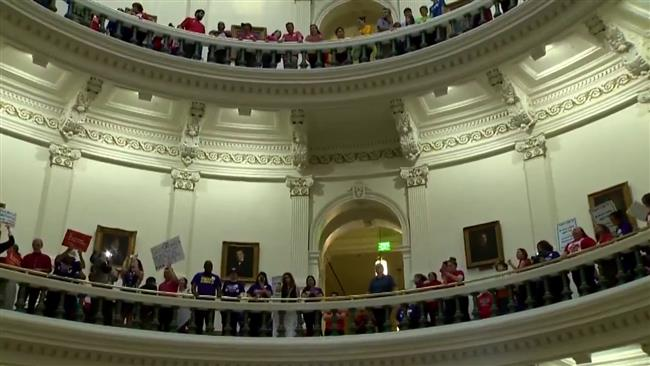 Texas lawmakers, protesters clash over immigration