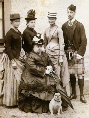 Queen-Victoria-and-her-Pug