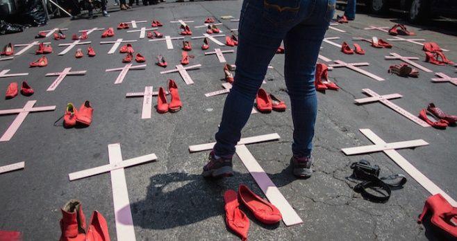 TRES NOCHES DE HORROR: se llevaron a más de 50 mujeres Mujeres en la narcoguerra; desaparecidas por 'saber mucho