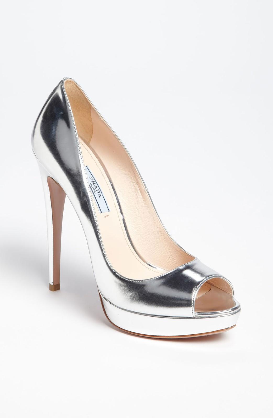 97bed9f6be6 Zapatos plateados de noche ¡11 Ideas de Calzado!   Zapatos, Botas ...