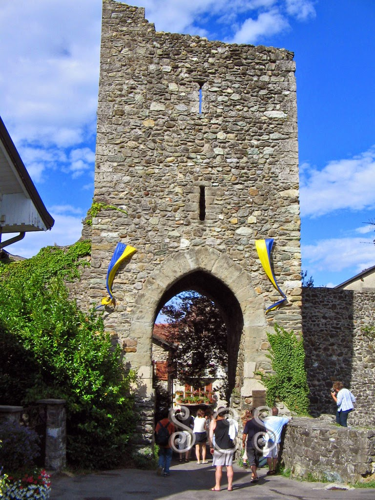 Puerta medieval - Yvoire (Francia)
