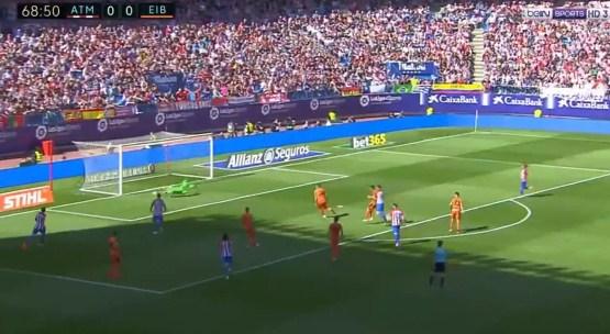 بالفيديو : اتليتكو مدريد يفوز على ايبار بهدف نظيف اليوم السبت 06-05-2017 فى الدوري الاسباني