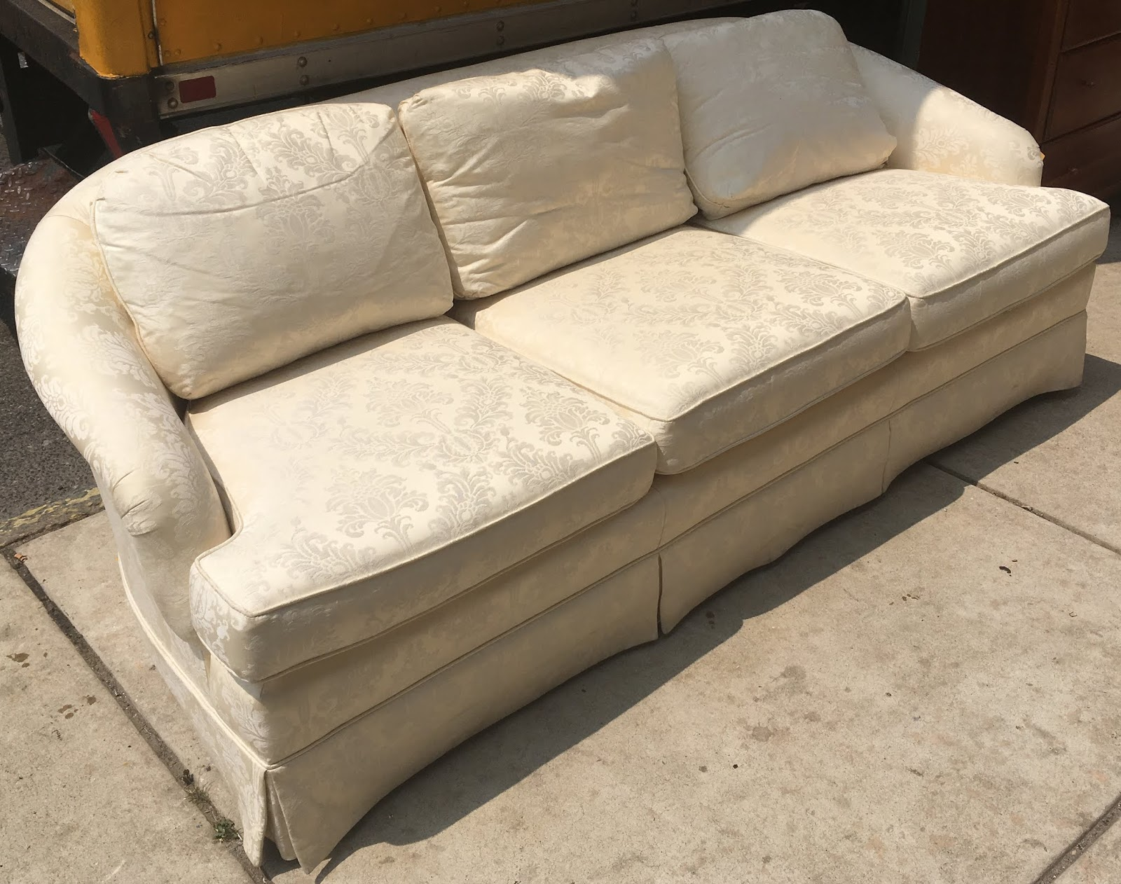 Groovy Uhuru Furniture Collectibles White Brocade Couch By Theyellowbook Wood Chair Design Ideas Theyellowbookinfo