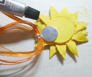 stunning sunflower pendant