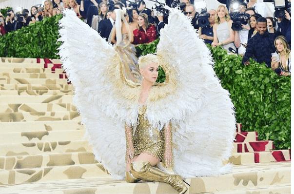 Luxury Makeup Katy Perry's Versace Dress At The Met Gala and Her Angel Makeup Look 2018