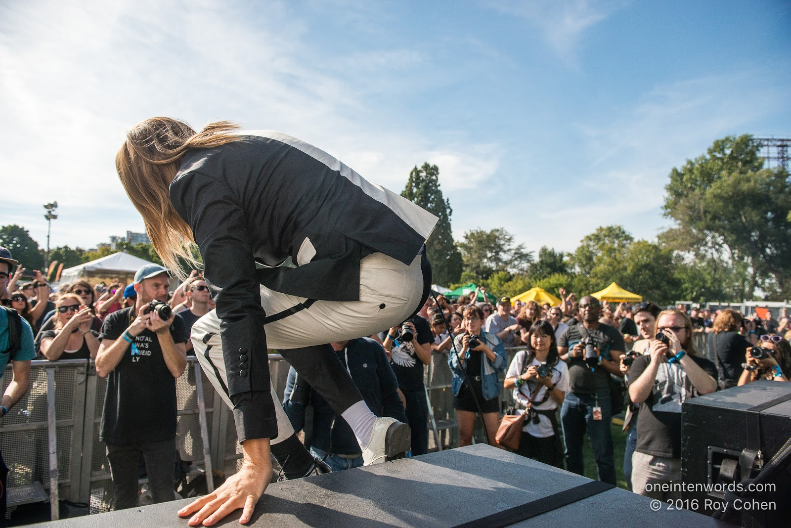 one in ten words: TURF 2016: Fort York Day 1: The Hives