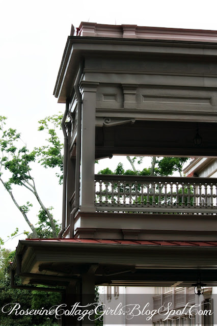 Photo of a two story antebellum home with a porch on both levels | Belle Meade Plantation | RosevineCottageGirls.com