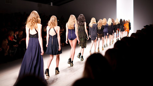 Las modelos de todo el mundo denuncian las presiones para arriesgar su salud y perder peso