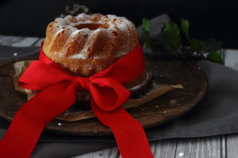 Weihnachtsgugl statt Kekse für die Adventszeit, Weihnachten, Backen mit Liebe, einfacher Kuchen, Napfkuchen, Rezept für den Gugel mit Rosinen, Mandelsplittern und Orangeat, Südtiroler Foodblog Bloggerin kebo homing, foodstyling & photography