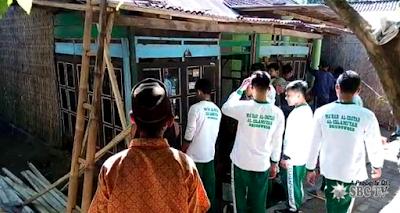 Hadiah Bedah Rumah Dari Siswa Bondowoso Pada Hari Kartini
