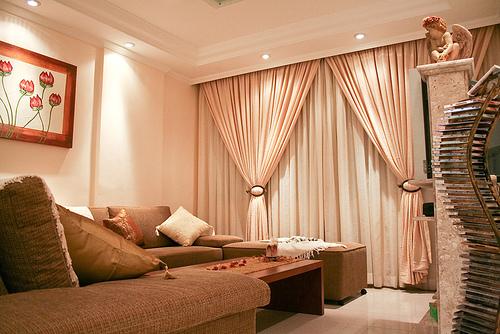 Untuk Dekorasi Rumah Flat Anda Pentingkan Keseimbangan Dan Keharmonian Perabot Kemasan Aksesori Harus Seiring Dengan Skema