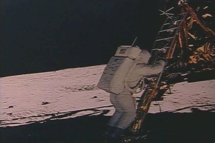 apollo 11 moon landing mystery - photo #30