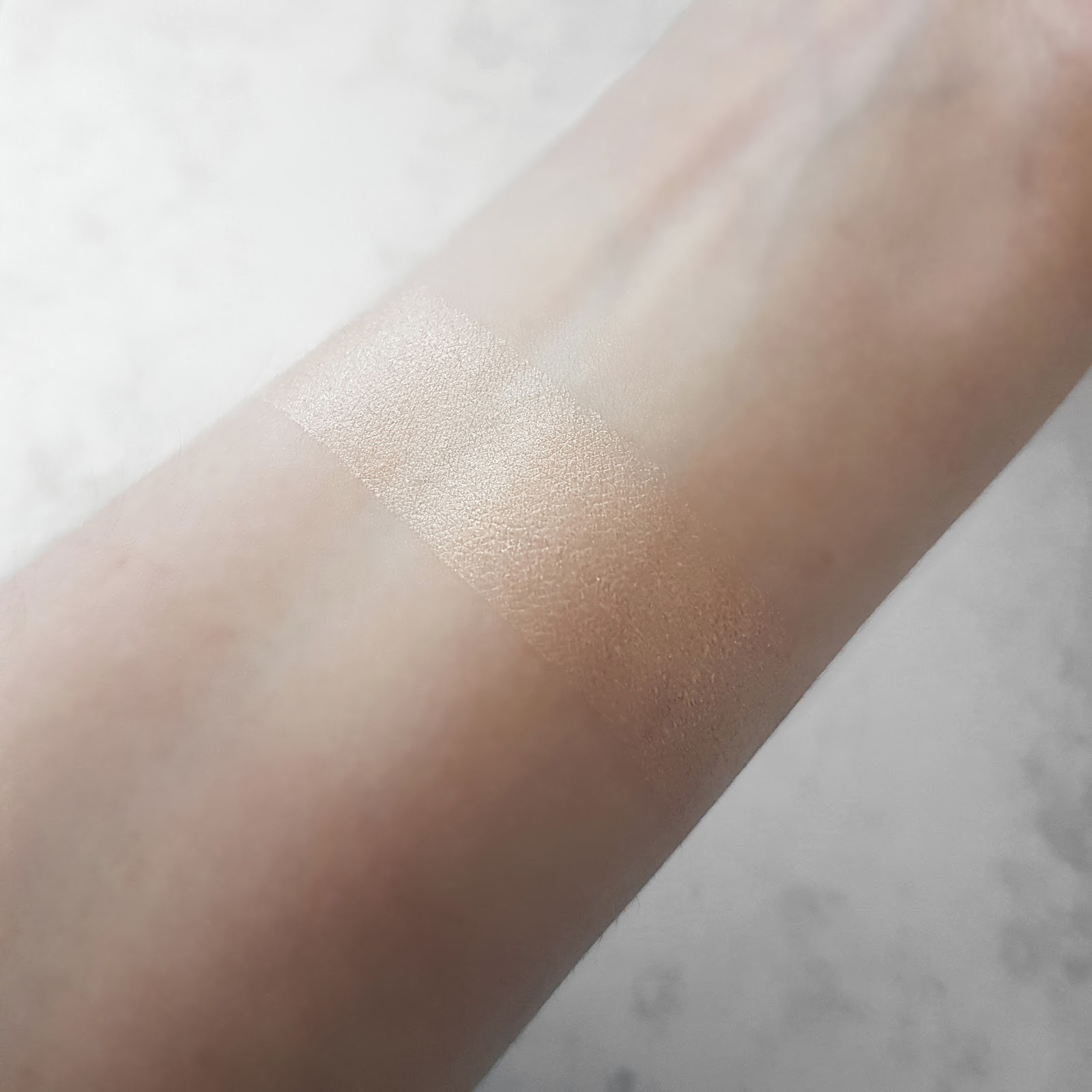 Swatch of the Illamasqua Gleam Highlighter