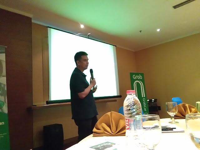 Grab Beri Penghargaan Mitra Pengemudi Berprestasi di Palembang