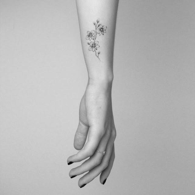 Stunning Flower Wrist Tattoos For Women