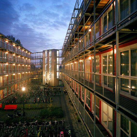Casa container un 39 abitazione di propriet per meno di for Alloggi ad amsterdam