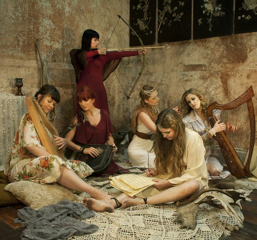 Best 25  Medieval clothing ideas on Pinterest | Medieval dress ...