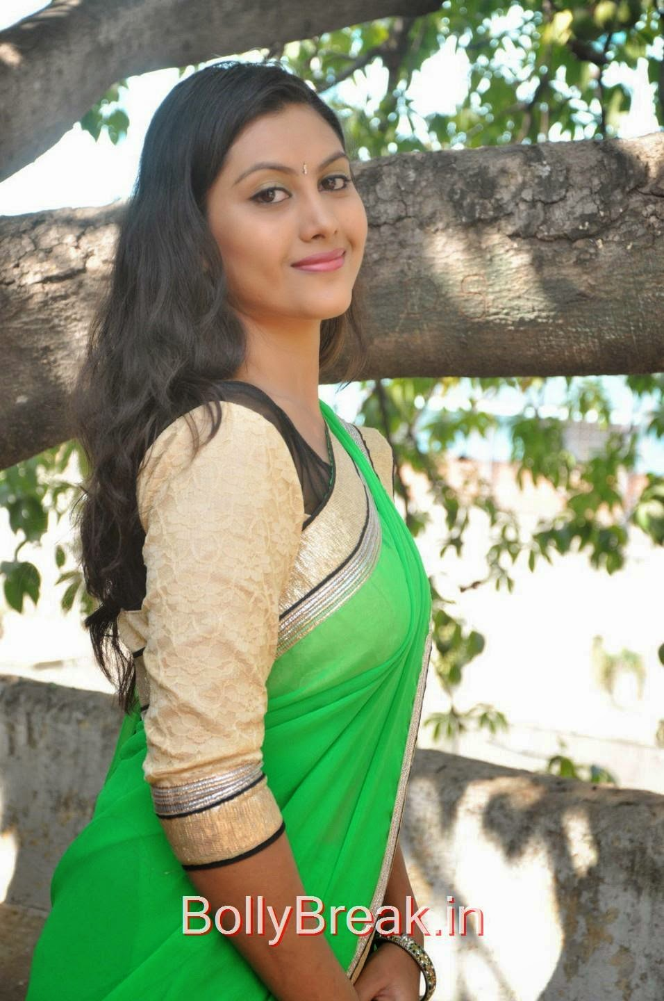 Priyanka Photoshoot Stills, Hot Pics Of Priyanka In Green Saree from SS Art Productions Production No 1 Movie