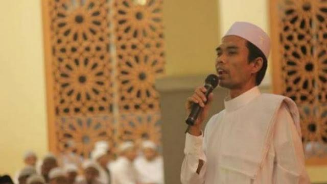 Ustadz Abdul Somad Bicara Soal Hukum Jadi Suporter Bola