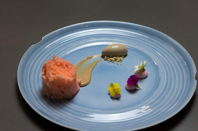 Davide Oldani Ciococcolato Ruby crema di pane e gelato al pistacchio