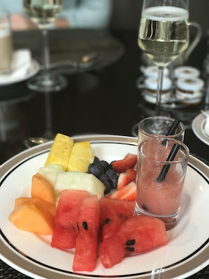 The Charles Hotel Munich, fruit plate with smoothies, food photography