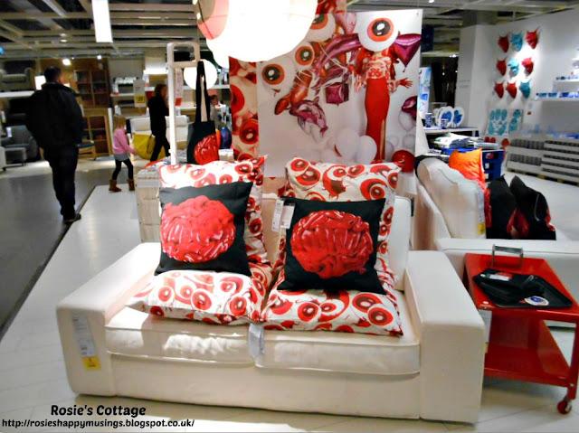 Ikea GILTIG Collection Display