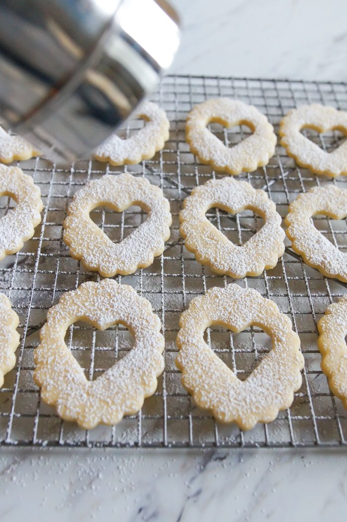 Linzer cookie tops