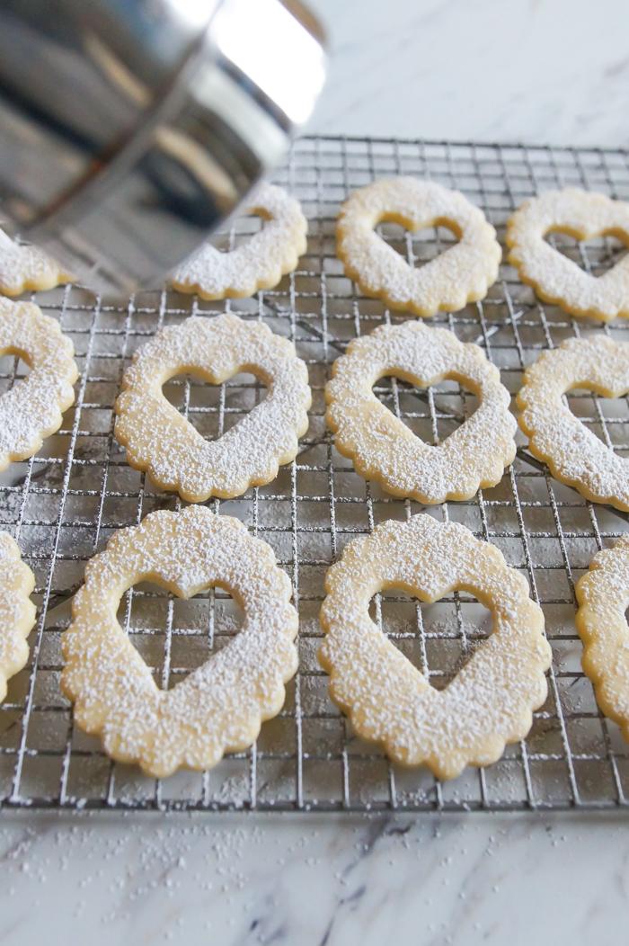 Linzer cookie tops