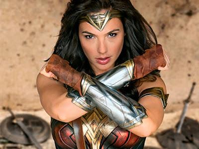 Publicado el primer póster oficial de 'Wonder woman'