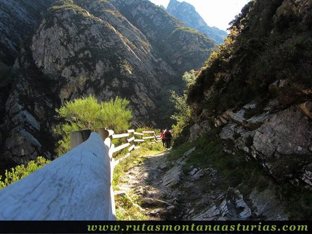 Ruta de los Arrudos y Corteguerón: Sendero vallado