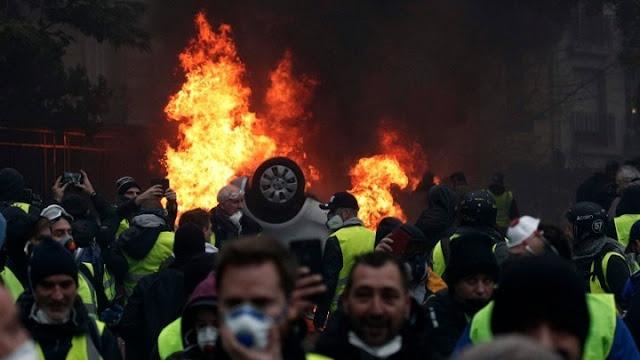 Χαμός στη Γαλλία - 31.000 διαδηλωτές -  Πλαστικές σφαίρες - 1.000 προσαγωγές - Τουλάχιστον 55 τραυματίες